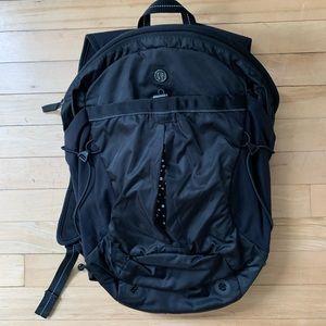 Lululemon commuter backpack